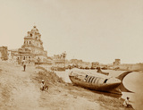 The Chattar Manzil used as a Field Hospital, showing the King's Boat, Lucknow, 1858