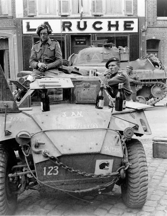 Commanding officer and a corporal of the 3rd/4th County of London Yeomanry, France, 1944 (c)