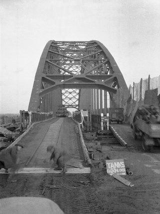 Nijmegen Bridge, 1944 (c)