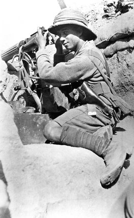 A machine gunner, Mesopotamia, April 1916