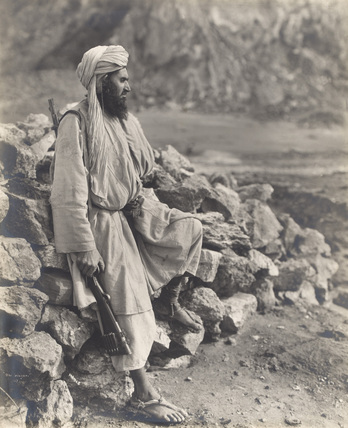 A Waziri tribesman with rifle, 1919 (c)