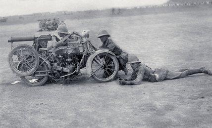 A motor cycle machine gun team, 1919 (c)