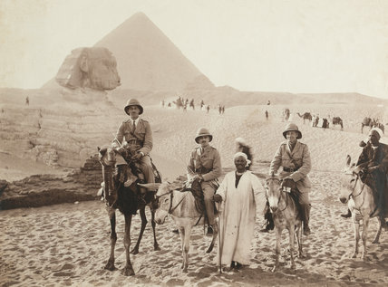 Officers on camels and donkeys in front of the Sphinx at Giza, Egypt, 1915