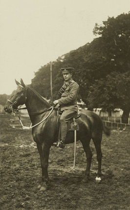 'E Beldum, Groom and charger of the Earl of Ellesmere. Scotland 1915'.