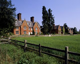 Angled view of Hardwick Terrace with a field in the foreground