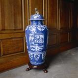 A Chinese, Kangxi period vase c. 1662-1723