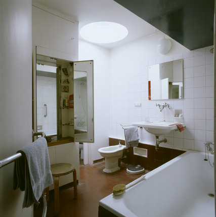 A Bathroom off the main bedroom on 2, Willow Road