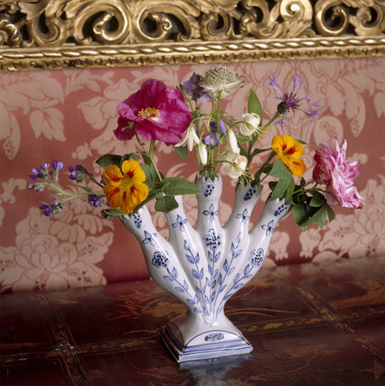 Reproduction Delftware fan-shaped vase at Polesden Lacey, also known as a quintal horn