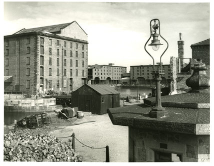 Albert dock from pier masters house e chambre hardman for Chambre hardman