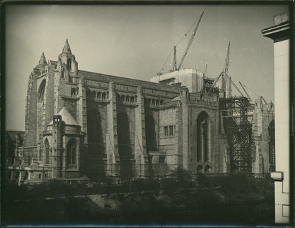 Anglican cathedral under construction e chambre hardman for Chambre hardman