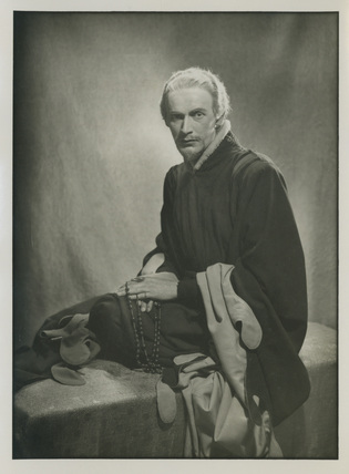 Gerald Cross as Richard II