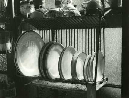 Close up photograph taken by Edward Chambré Hardman in the kitchen at 59, Rodney Street