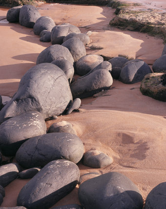 Close-up view of rock detail at Embleton Beach, Dunstanburgh Castle