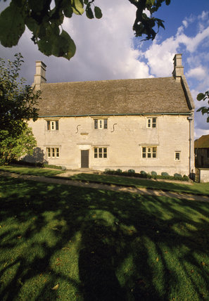 View of the early C17th house where Sir Issac Newton was born in 1642
