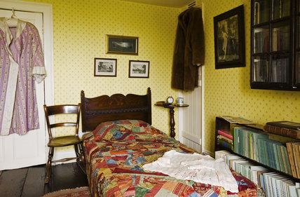 The Yellow Bedroom at Plas yn Rhiw, Pwllheli, Gwynedd