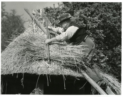 Thatching A Roof