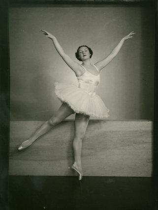 Miss Pamela Lloyd