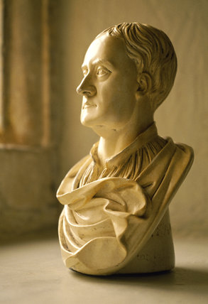 Modern plaster copy of a bust of Sir Isaac Newton at Woolsthorpe Manor made in 1718