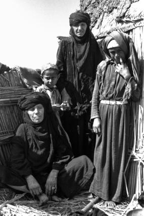 Feraigat women and children