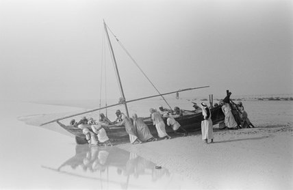 Launching a dhow