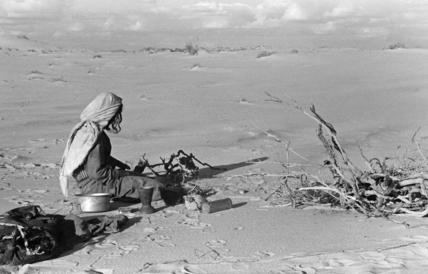Salim bin Kabina making camp