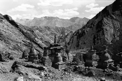 Chortens at Hemis monastery