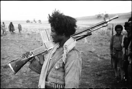 Patriot soldier with machine-gun