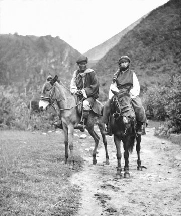 Man and wife travelling in Chumbi valley