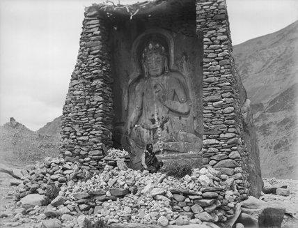 Buddha figure at Dzamtrang