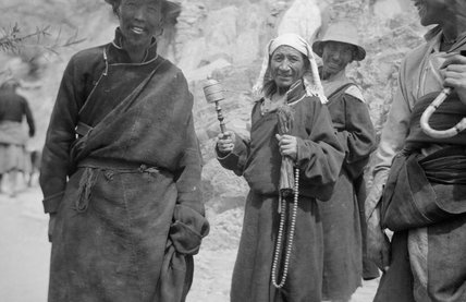 Pilgrims on Lingkhor