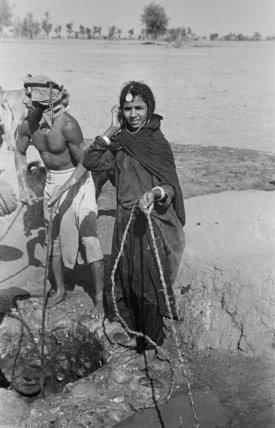 Portrait of two Wahiba Bedouin ...