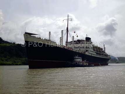 RANGITANE in the Panama Canal