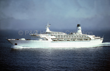 SUN PRINCESS at sea