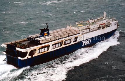 EUROPEAN PIONEER at sea