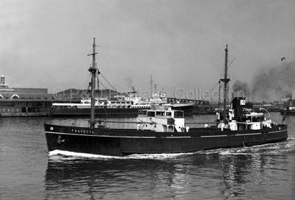 FAUVETTE leaving port