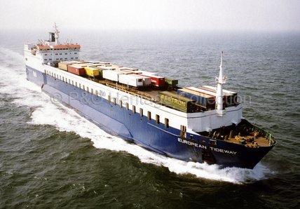 EUROPEAN TIDEWAY at sea