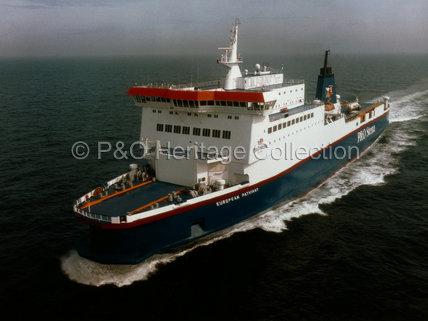 EUROPEAN PATHWAY at sea