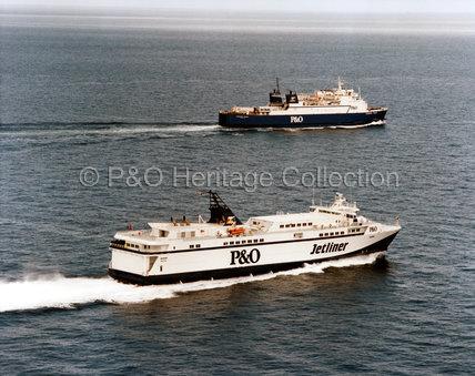 JETLINER at sea