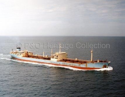 HENNING MAERSK at sea