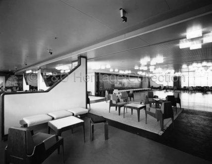 CANBERRA's Tourist Class Island Room