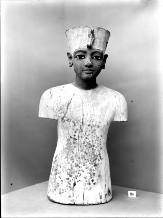 The wooden 'mannequin' of Tutankhamun