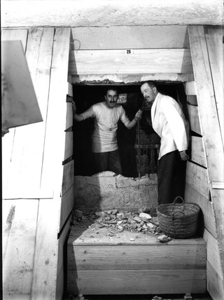 Carter and Carnarvon opening the Burial Chamber