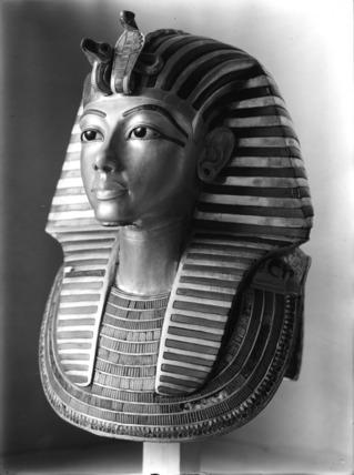 The  gold mask of Tutankhamun, 3/4 view