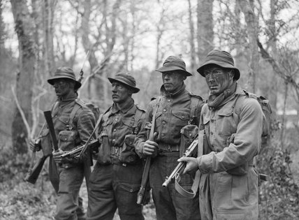 Royal Navy trainees at the Eastern Warfare School at Brockenhurst, Hampshire, where they learn jungle tactics for the Pacific War, 2 February 1945.