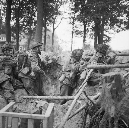 Men of 1st Parachute Battalion in action at Arnhem during Operation 'Market Garden', 17 September 1944.