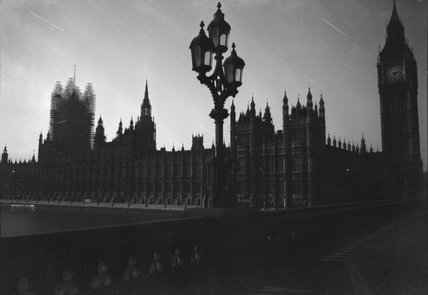 Nighttime view of the Houses of Parliament, Westminster, London in 1940.