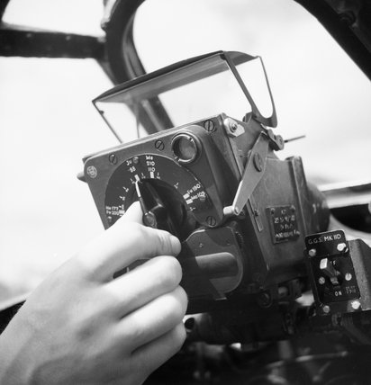Ferranti Mark IID gyroscopic gunsight mounted in a Supermarine Spitfire Mk IX of No. 127 Wing RAF at B2/Bazenville, Normandy, 17 August 1944.