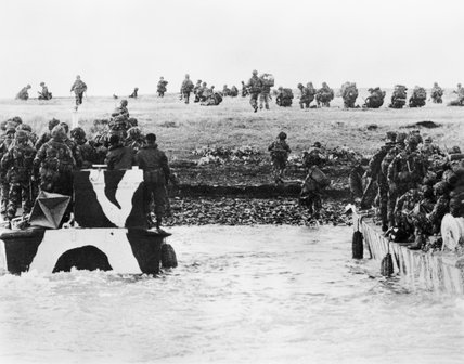 Landing craft from HMS INTREPID approach the beach at San Carlos in the Falkland Islands to land British troops, 21 May 1982.