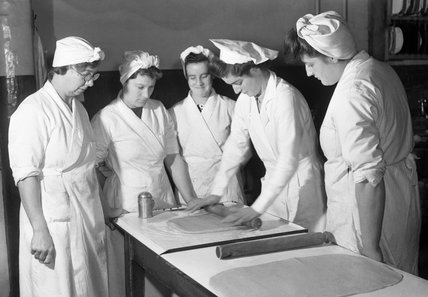 Pastry making demonstration at the National Training College of Domestic Science, Westminster, London, 1944.