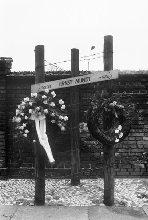 A memorial marking the spot where an East German, Ernst Mundt, was killed while attempting to escape over the Berlin Wall on 4 September 1962.